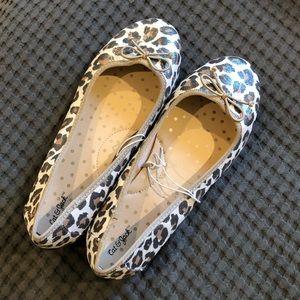 Girls Cat & Jack sparkly leopard print flats